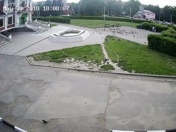 ул. Михеенко 14, Фонтан напротив Торгового Центра