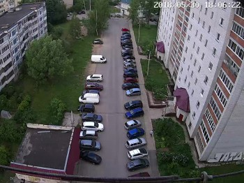 ул. Майолик 6, двор