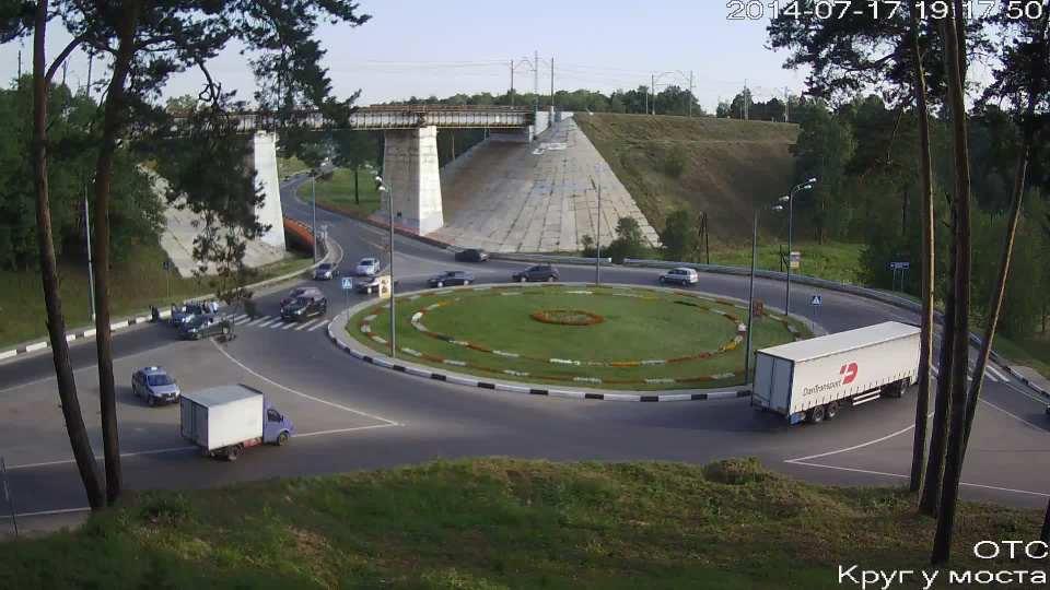 Задержание на круге под мостом