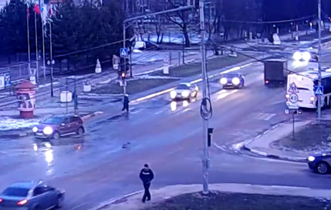 Сбили пешехода на светофоре