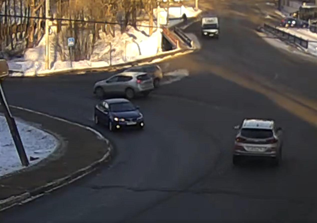 Нелепая авария на повороте на п.Север